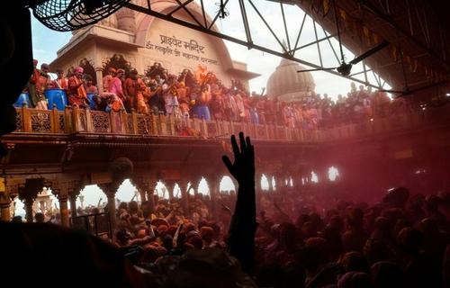 جشنواره رنگ ها که در بهار در هند برگزار می شود