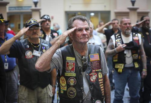 گردهمایی بازماندگان جنگ ویتنام در پنجاهمین سالگرد این جنگ در پالم بیچ فلوریدا