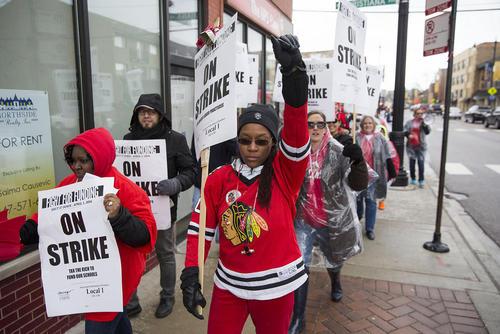 اعتصاب یک روزه اتحادیه معلمان درشهر  شیکاگو آمریکا