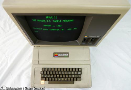 اولین دستگاه مکینتاش اپل در سال 1984با قیمت 1495 دلار وارد بازار شد