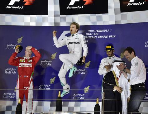 شادمانی برنده مسابقات جایزه بزرگ اتومبیلرانی بحرین