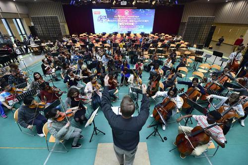 تمرین مشترک موسیقی بین دانشجویان چینی و آمریکایی – هانگژو چین