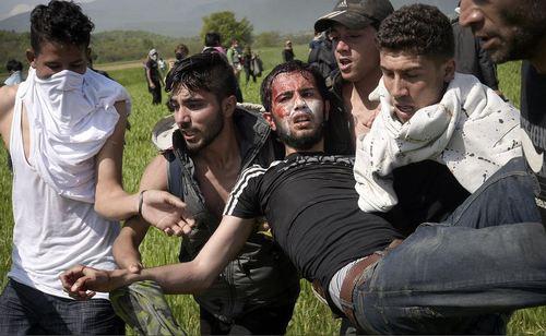 درگیری صدها مهاجر در مقدونیه با پلیس