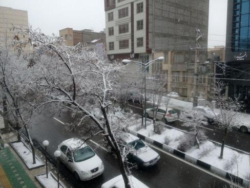 برف بهاری در تبریز- اشتری