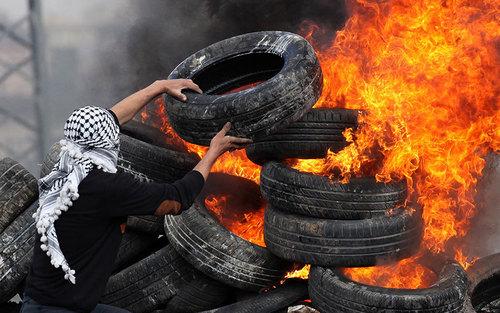 درگیری معترضان فلسطینی با نیورهای امنیتی اسرائیل در نابلس
