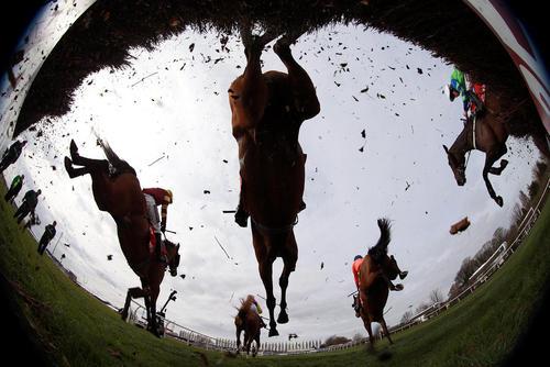 مسابقه بزرگ اسب سواری در لیورپول انگستان