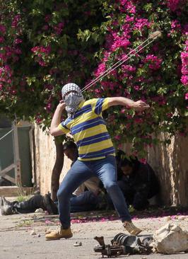 درگیری جوانان فلسطینی با سربازان اسراییل – نابلس