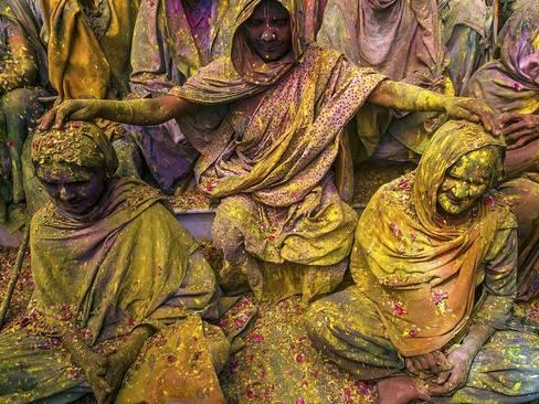 جشنواره پودر رنگ در رینداوان هند