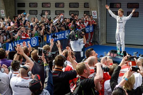 نیکو روزبرگ برنده مسابقه جایزه بزرگ فرمول یک در شانگهای چین