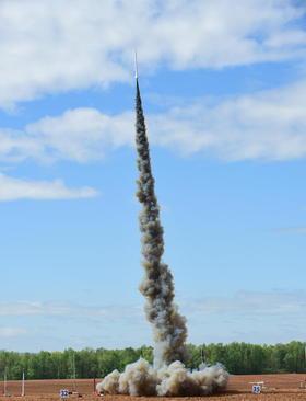مسابقات ساخت و پرتاب موشک دانشجویان هوا و فضای آمریکا – آلاباما