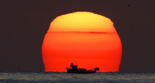 غروب آفتاب در سواحل شمال بریتانیا
