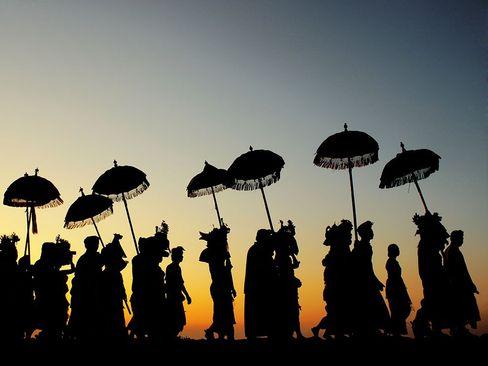 مراسم آیینی هندوها  در جزیره بالی اندونزی