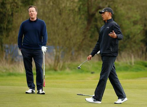 گلف بازی اوباما با دیوید کامرون در منطقه واتفورد در شمال لندن
