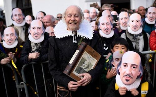 مراسم چهارصدمین سالمرگ ویلیام شکسپیر نویسنده شهیر انگلیسی در شهر زادگاهش