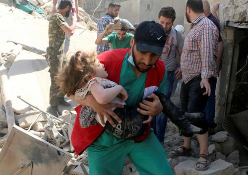 حمله هوایی به منطقه قدیمی شهر حلب در سوریه