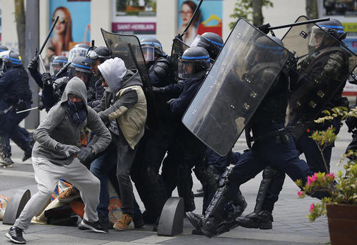 تظاهرات و اعتصاب کارگران علیه اصلاحات قانون کار فرانسه در شهر نانت