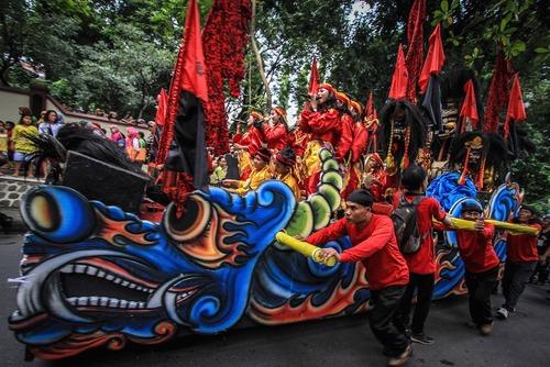 مراسم روز جهانی رقص در جاوه اندونزی