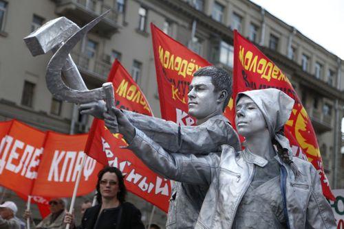تظاهرات فعالان حزب کمونیست روسیه در روز جهانی کارگر