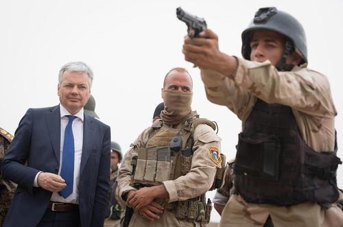 بازدید معاون نخست وزیر و وزیر امور خارجه بلژیک از مرکز آموزش نظامی بلژیک در بغداد