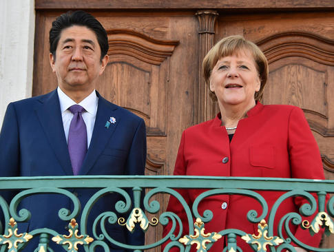 سفر شینزو آبه نخست وزیر ژاپن به آلمان
