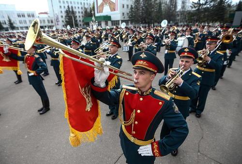 تمرین رژه نیروهای مسلح روسیه در میدان سرخ مسکو