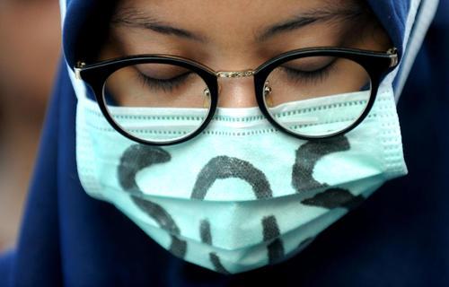 گردهمایی محکومیت تجاوز گروهی به دختر 14 ساله اندونزیایی و کشتن او – جاکارتا