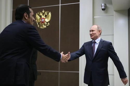 دیدار وزیر امور خارجه قطر با ولادیمیر پوتین در اقامتگاه رییس جمهوری روسیه در شهر بندری سوچی
