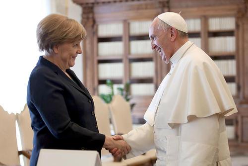 سفر آنگلا مرکل صدر اعظم آلمان به واتیکان و دیدار با پاپ فرانسیس