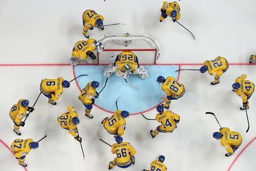 مسابقه هاکی روی یخ دو تیم سوئد و لیتوانی در چارچوب مسابقات جهانی این رشته – روسیه