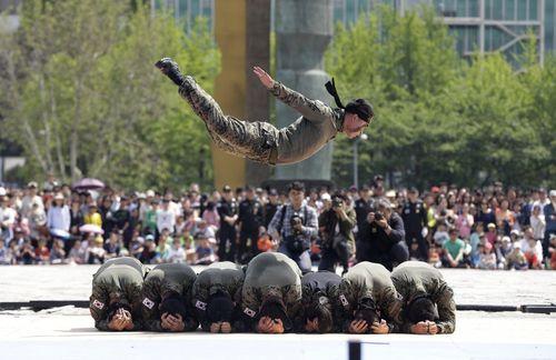 نمایش هنرهای رزمی نیروهای ویژه ارتش کره جنوبی