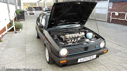 MkII Golf Limited  مدل لیمیتد (Limited) خودش را در میان نادرترین خودروهای کارخانه قرار داد. این خودرو یک موتور 210 اسب بخاری داشت و از طرفی درون خودرو نیز پر از گزینههای جالب بود. رینگهای خودرو به مدل 15 اینچی ارتقا یافت و مدل چراغهای عقب و جلو کاملا تغییر یافت.