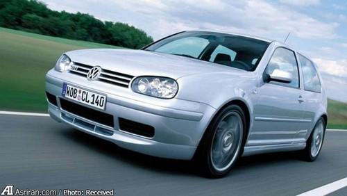 MkIV GTI   در بیست و پنجمین سالگرد تولد گلف این مدل رونمایی شد. 900 دستگاه بنزینی و 900 دستگاه دیزلی از این خودرو ساخته شد.