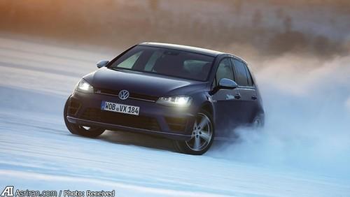 MkVII Golf R  این مدل چیست؟ سریعترین و قدرتمندترین گلفی که تا به حال ساخته شده. با یک موتور2 لیتری توربوشارژ 4 سیلندری و با قدرت تولید 296 اسب بخار. با قابلیت شتاب صفر تا صد در 4.9 ثانیه