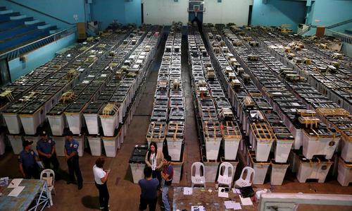 مرکز تجمیع صندوق های آرای انتخابات ریاست جمهوری فیلیپین