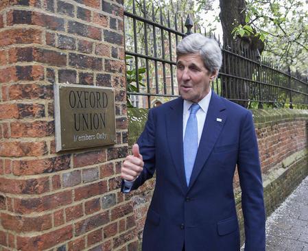 جان کری وزیر امور خارجه آمریکا به منظور شرکت در اجلاس مقابله با فساد و مذاکره با بانک های اروپایی درباره معاملات این بانک ها با ایران به انگلیس رفته است