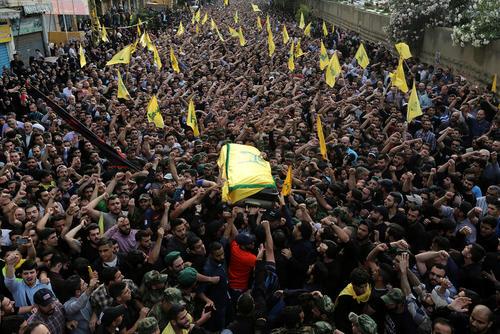 مراسم تشییع پیکر مصطفا بدرالدین از فرماندهان نظامی ارشد حزب الله لبنان – بیروت