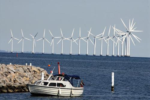 توربین های بادی تولید انرژی در سواحل دانمارک