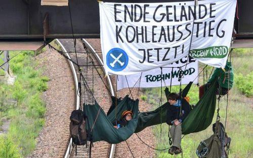 اعتراض فعالان محیط زیست به ضرورت توقف استفاده از سوخت های فسیلی – آلمان