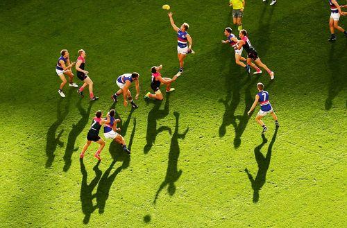 بازی دو تیم فوتبال آمریکایی در شهر ملبورن