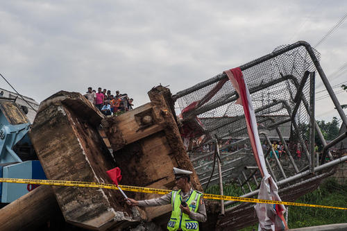 فروریختن یک پل در اندونزی