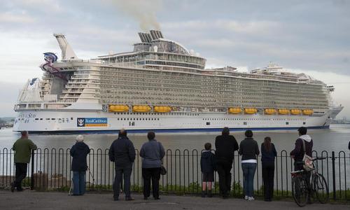 بزرگ ترین کشتی تفریحی جهان در ساحل ساوت همپتون انگلیس