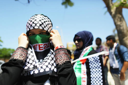 اعتراضات فلسطینی ها در شصت و هشتمین سالروز نکبت در شهر غزه . فلسطینی ها سالروز تشکیل رژیم اسراییل را روز نکبت می خوانند