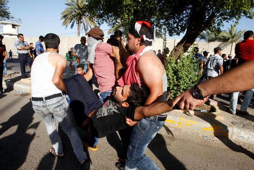 حمله معترضان دولت عراق به منطقه سبز بغداد و دفتر نخست وزیری