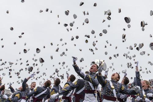 جشن فارغ التحصیلی افسران در کالج نظامی وست پوینت – نیویورک