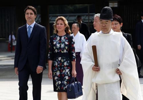 بازدید نخست وزیر کانادا و همسرش از معبد میجی در شهر توکیو