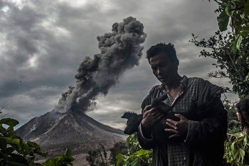 فعالیت کوه آتشفشانی در کارو اندونزی
