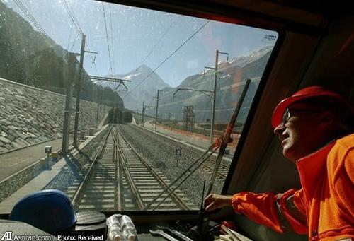 تونل گوتارد در سوییس با 57 کیلومتر طول طولانی ترین و بزرگ ترین تونل جهان است.