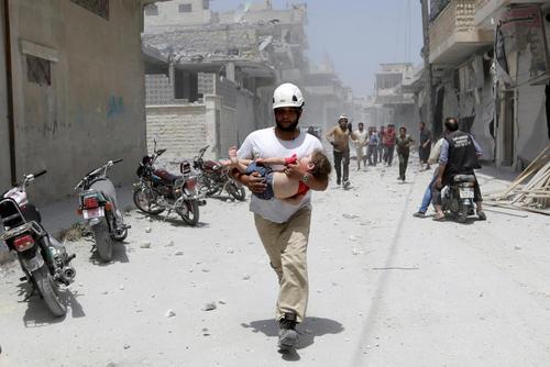 حمله هوایی به شهر ادلب سوریه
