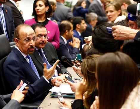 وزیر نفت جدید عربستان در حال مصاحبه با خبرنگاران در صدو شصت و نهمین نشست اعضای اوپک در وین