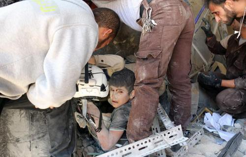 آثار حملات هوایی به منطقه طارق الباب در شهر حلب سوریه که تحت کنترل مخالفان است